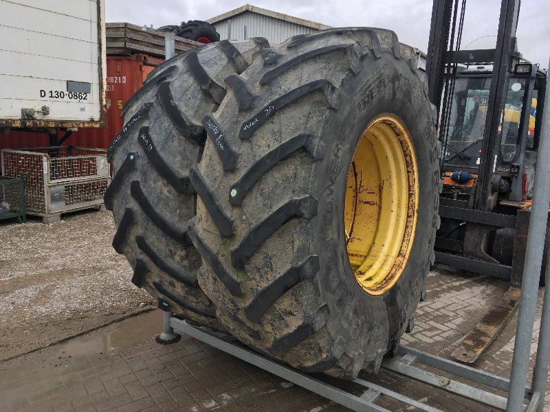 Pirelli 650/85R38 TM900 - Räder + Reifen + Felgen - Rad