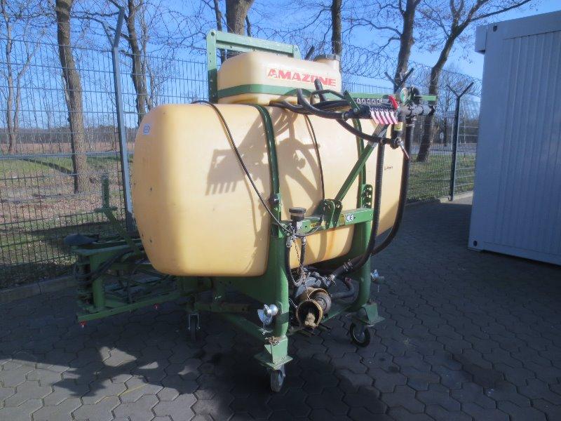 Amazone US 805 - Düngung + Pflanzenschutztechnik + Pflege - Feldspritze