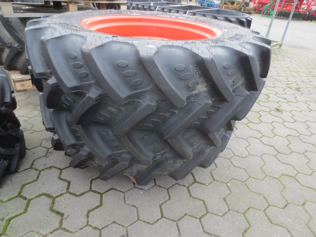 BKT 340/85R28 - Räder + Reifen + Felgen - Rad